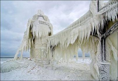 فانوس یخ زده دریاچه میشیگان,عجایب گردشگری,اماکن دیدنی طبیعی