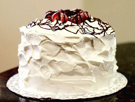 طرز تهیه خامه فرم گرفته خانگی(مخصوص تزیین کیک و شیرینی تر)
