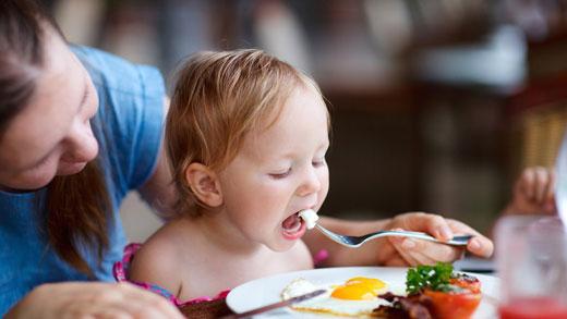 10 غذای آهنی برای بچهها