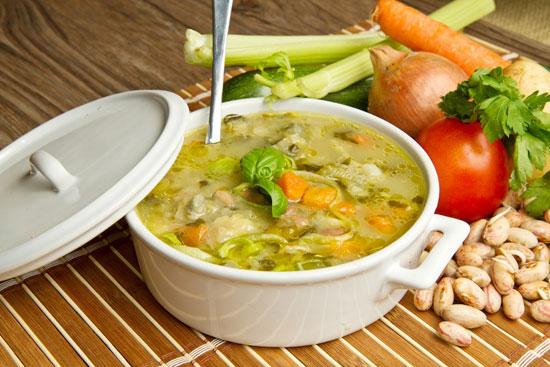 سوپ مرغ با سبزیجات بهاری