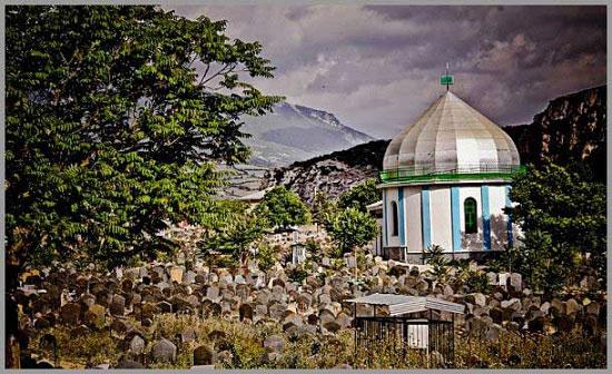 قبرستان اسرار آمیز در شمال ایران + عکس